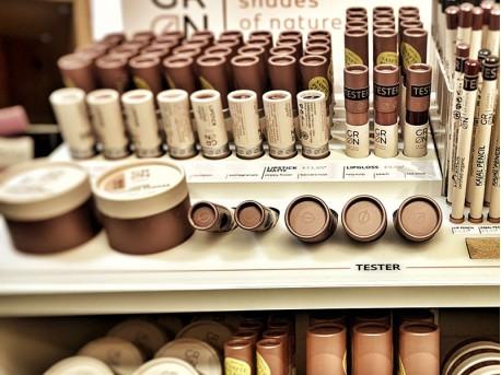Sanfte Pflege - Parfümeriewaren