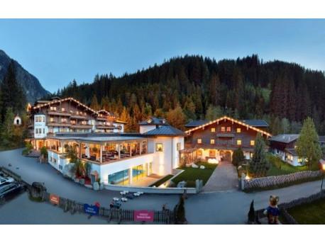 All-inclusive Baby- und Kinderhotel Habachklause mit Bauernhof-Resort
